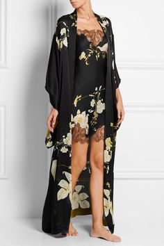 Black, gold and cream silk-satin Slips on 100% silk; trims: 60% polyamide, 40% rayon Dry clean