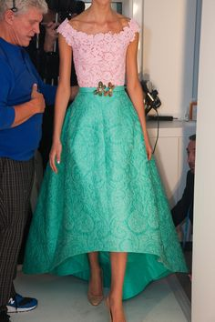 dustjacket attic: Oscar de la Renta (spring pink and aqua lace top and skirt with butterfly brooch Look Fashion, Runway Fashion, High Fashion, Womens Fashion, Pretty Dresses, Beautiful Dresses, Dress Me Up, Dress To Impress, Evening Dresses