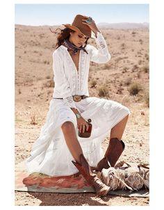 Boho Fashion For 2019 whether Boho Chic Beach Style from Boho Pants Winter Outfits Moda Hippie Chic, Estilo Hippie Chic, Look Boho Chic, Bohemian Style, Bohemian Chic Clothing, Bohemian White Dress, Boho Beach Style, Country Western Dresses, Country Western Fashion