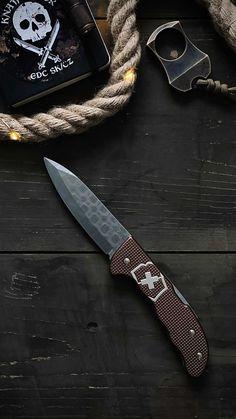 knajf.lover on Instagram: Victorinox Hunter Pro Alox Damast LE 2020 🇨🇭🔪 Yes, love that SAK! . . . . #knifeporn #knifenut #knife #myvictorinox #sakorfuck… Kitchen Knives, Instagram, Corfu, Damask