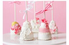 Wedding Cake Pops #wedding #cakepops