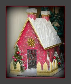 Lady J's Christmas niches: Pink house by mcudeque, via Flickr