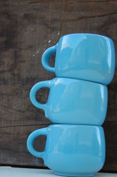 great color and shape    #vintage, #mug, #robinsegg $12.50 |Pinned from PinTo for iPad|