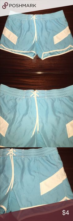 Aqua And White Old Navy Swim Short - Size Large Aqua And White Old Navy Swim Short - Size Large. Shirts have been worn before. On the back are some light wear marks. Old Navy Swim