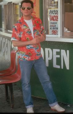 How to dress like Clarence Worley who is portrayed by Christian Slater. A Clarence Worley costume from True Romance is a great couples costume Christian Slater, True Romance, Romance Movies, The Best Films, Great Movies, Awesome Movies, Pictures Of People, Movie Photo, Actors