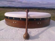 Bodrhan www.vozetnica.blogspot.com História cantada dos instrumentos do mundo