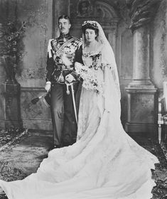 The Royal Collection: Prince Gustaf Adolf of Sweden and Princess Margaret of Connaught on their wedding day Royal Wedding Gowns, Royal Weddings, Wedding Crowns, Wedding Bride, Reine Victoria, Queen Victoria, Royal Prince, Prince And Princess, Princesa Margaret