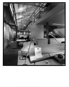 AGUIIRE NEWMAN Headquarters, Madrid. © Ana Muller, fotográfo. allende arquitectos 1999-2002 Open House Madrid, Furniture, Home Decor, Architects, Decoration Home, Room Decor, Home Furnishings, Home Interior Design, Home Decoration