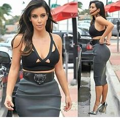 Algum comentário sobre a @kimkardashian ?? . . @Renenoberto . . . #HTers #HashTags #arianagrande #bestoftheday #celebre #celebrities #boanoite #celebritieswelove #celebrity #cute #famous #hollywood #gay #gayboy  #likes #love #models #justinbieber #one #photoshoot #picoftheday #selenagomez #star #style #follow4follow #Brasil #420 http://tipsrazzi.com/ipost/1511848845901589477/?code=BT7KoPmDGvl