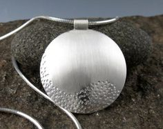 Zen plata colgante Reversible Camino de por annewalkerjewelry