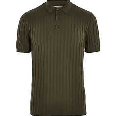 Ribbed Muscle fit Button placket Short sleeve