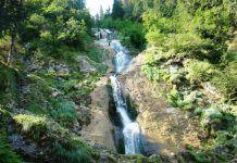 Cea mai mare cascadă din România aşteaptă să fie vizitată. Acesta este locul de o frumuseţe uimitoare!