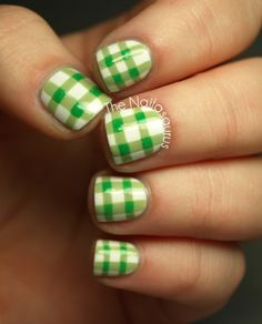 The Nailasaurus: 31DC2012 Day 26: Inspired by a Pattern #nails