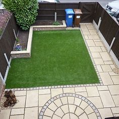 How to lay artificial turf like a professional Small Backyard Gardens, Small Backyard Landscaping, Small Gardens, Modern Gardens, Backyard Patio, Back Garden Design, Modern Garden Design, Landscape Design, Artificial Grass Cost