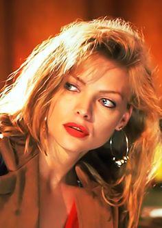 Michelle Pfeiffer #MichellePfeiffer #HotCelebs #BlondeBombshells #Top50MILFCougars
