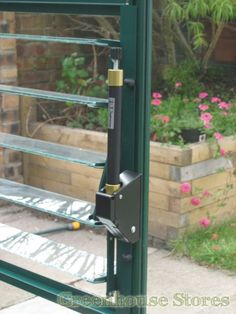Elite Greenhouses Automatic Louvre Vent Opener   http://www.greenhousestores.co.uk/Elite-Automatic-Louvre-Vent-Opener.htm