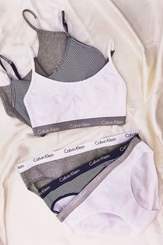 Ropa Interior Retro, Ropa Interior Calvin, Bra And Underwear Sets, Cute Underwear, Girls Fashion Clothes, Teen Fashion Outfits, Girl Outfits, Lingerie Outfits, Pretty Lingerie