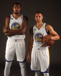 Golden State Warriors players Kevin Durant (35) and Stephen Curry (30) are photographed during media day on Monday, Sept. 26, 2016, in Oakland, Calif. (Aric Crabb/Bay Area News Group)