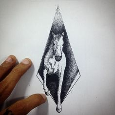 """Desenho cavalo no pontilhismo! #art #arte #ink #inked #tat2 #tatu #tatt2 #tattoo #tatuagem #blackwork ##blackworktattoo #dotwork #dotworktattoo…"""
