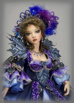 Martha Boers:  This costume is a recreation of one of my own designs, originally made for an art doll in 2009.This version was made specifically for my beautiful Asa, a JID by Iplehouse.