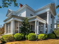 For more photos of this North Carolina 1907 Neo-Classical Revival. ----  http://www.captivatinghouses.com/2018/04/20/north-carolina-1907-neo-classical-revival/