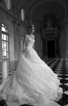 TINA  #wedding #marriage #weddingdress #abitodasposa #2016 #collection #sposa #bride #bridal #brides #bridalcouture #couture #bianco #blackandwhite