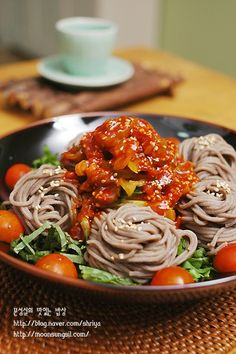 Korean Food, Spaghetti, Cooking, Ethnic Recipes, Food Food, Kitchen, Korean Cuisine, Noodle, Brewing