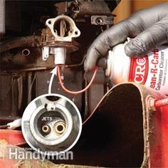 Most of the time when a lawn mower snow blower or any small engine wont start the cause is a problem with the gas or the carburetor. Heres how to find and fix the problem. - Lawn Mowers - Ideas of Lawn Mowers Lawn Mower Maintenance, Lawn Mower Repair, Lawn Equipment, Engine Repair, Diy Home Repair, Repair Shop, Small Engine, Lemon, Running