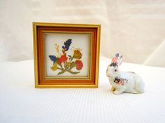 vintage pressed flower picture.gold frame.Austrian.home decor.small.tessiemay by tessiemay on Etsy