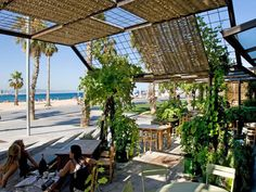 Restaurante Gallito - Barcelona (Passeig del Marenostrum 19-21) Amidst vine tendrils, comfortable cushions and lots of holiday flair, you can enjoy the view of the sea on the large terrace. The menu features salads, fish, and original tapas—all light, fresh, and crispy.
