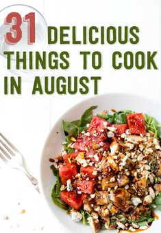 balsamic watermelon chicken salad//blue cheese, watermelon, almonds, spinach, chicken & a balsamic reduction Healthy Recipes, Healthy Salads, Healthy Eating, Cooking Recipes, Cooking Tips, Delicious Recipes, Healthy Food, Juice Recipes, Cooking Food