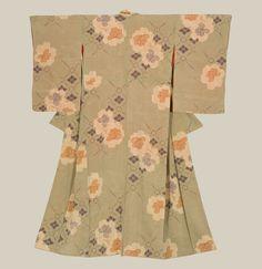 A silk kimono with blossom patterns.  Late Meiji to mid-Taisho (1900-1920), Japan.  The Kimono Gallery