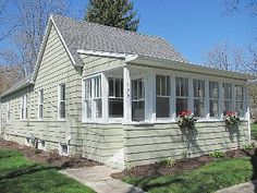 Charming Bungalow--1 WEEK LEFT IN AUGUST!! Vacation Rental in South Haven from @homeaway! #vacation #rental #travel #homeaway