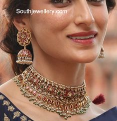 Gold Jewelry Shilpa Reddy in Kundan Choker and Jhumkas photo Indian Jewelry Sets, Indian Wedding Jewelry, Bridal Jewelry, Indian Bridal, Gold Jewellery Design, Gold Jewelry, Jewelery, Jewellery Diy, Craft Jewelry