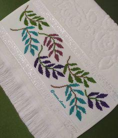 Cross Stitch Beginner, Tiny Cross Stitch, Cross Stitch Pillow, Cross Stitch Borders, Cross Stitch Flowers, Cross Stitch Designs, Cross Stitch Patterns, Hand Embroidery Design Patterns, Basic Embroidery Stitches