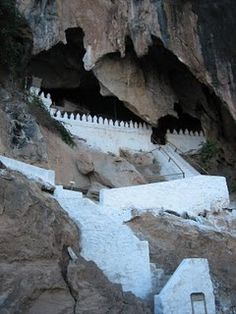 Laos- Pak Ou Cave.