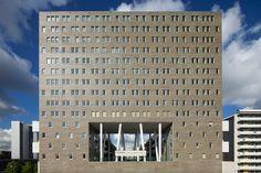 Bustler: NL Architects Completes De Kameleon