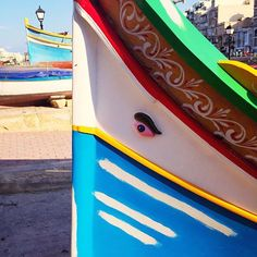 The design of traditional Maltese 'luzzu' fishing boats dates back to Phoenician times, when they used to be equipped with sails. Painted in bright splashes of blues, reds, greens and yellows, the bow often features the Eye of Osiris to protect #fishermen at #sea. . . . . . #locandalagelsomina #birgu #vittoriosa #threecities #malta #visitmalta #lovemalta #MMG #boutiquehotel #wanderlust #love #travel #passportready #instatravel #travelgram #oasisofharmony #inspiration #mood #sail #history…