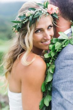 wianek ślubny z żywych kwiatów