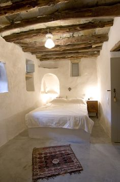 Nice Deco Chambre Kabyle that you must know, You?re in good company if you?re looking for Deco Chambre Kabyle Style At Home, Mud House, Tiny House, Interior And Exterior, Interior Design, Cob House Interior, Natural Interior, Earth Homes, Rustic Interiors