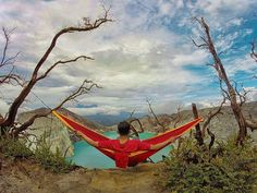 Where is the best spot you ever set up your hammock? @yudhidws  #hammock #adventure #travel #indonesia #volcano