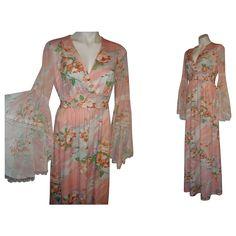 Vintage 1970's Dress Angel Wing or Lace Poet Sleeves