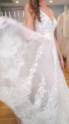 berta wedding dress The HARPER gown by Madi Lane Bridal Garden Wedding Dresses, Dream Wedding Dresses, Bridal Dresses, Wedding Dress Casual, Cheap Wedding Dress, Bridal Lace, Bridal Style, Ivoire, Corsage