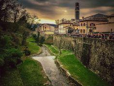 Veneto Cison di Valmarino  TV   #TuscanyAgriturismoGiratola Mansions, Tv, House Styles, Places, Photography, Home, Decor, Photograph, Decoration