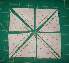 The Magic 8 tutorial - this is a great way to make 8 HST at .- The Magic 8 tutorial – this is a great way to make 8 HST at once – She even does an easy equation to figure out how big to cut the original squares - Quilting Tips, Quilting Tutorials, Machine Quilting, Quilting Projects, Quilting Designs, Patchwork Quilting, Longarm Quilting, Half Square Triangle Quilts, Square Quilt
