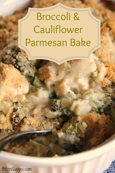 Broccoli & Cauliflower Parmesan Bake: I'm always looking for different ways to serve up my veggies.maybe leave out the cream cheese though to keep it healthy and low fat Side Dish Recipes, Vegetable Recipes, Dinner Recipes, Broccoli Cauliflower Bake, Parmesan Broccoli, Fresh Broccoli, Broccoli And Califlower Casserole, Cauliflower Cheese, Parmesan Recipes