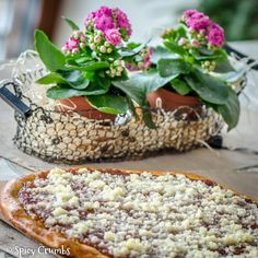 Valašské frgále - Spicy Crumbs Camembert Cheese, Cake Recipes, Spicy, Food And Drink, Baking, Vegetables, Pastries, Projects, Dump Cake Recipes