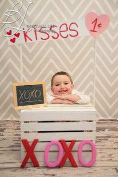 Kissing booth! Love! Valentines! Brittany Lee photography! www.BLphotographs.com