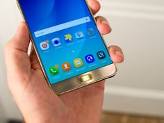 Samsung shows off the Galaxy Note 5 and Galaxy S6 edge+ in official videos