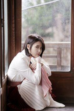 IU (아이유) - Picture @ HanCinema :: The Korean Movie and Drama Database Jung So Min, Iu Short Hair, Short Hair Styles, Long Hair, Korean Girl, Asian Girl, Iu Twitter, Korean Celebrities, Celebs